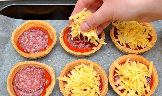 How to make Mini Pizzas