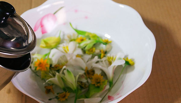 How to make your own floral water