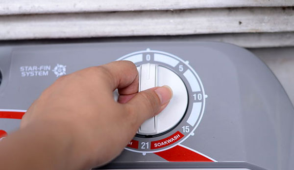 How to clean the cold water filter in a washing machine