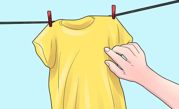 How to remove mould smell from clothes?