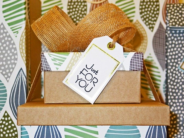 free gift improve customer experience